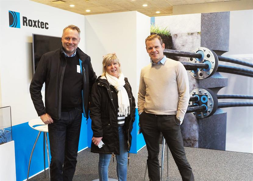 Jerry Hanson from Ruukki with Roxtec's strategic purchaser Helene Wahnström and security manager Patrik Cederholm.